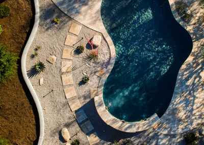 Free Form Residential / Travertine Deck © Julius Schlosburg Photography - Arzate Design Group